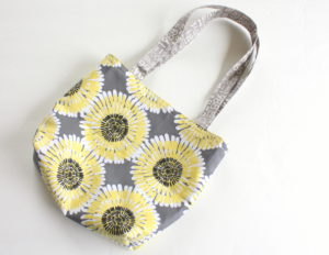 Easy Fat Quarter Bag Tutorial-001