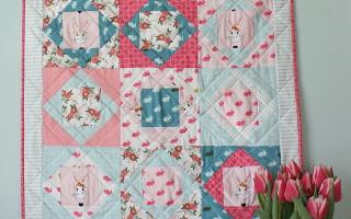 Quilt tutorial using Wonderland fabric